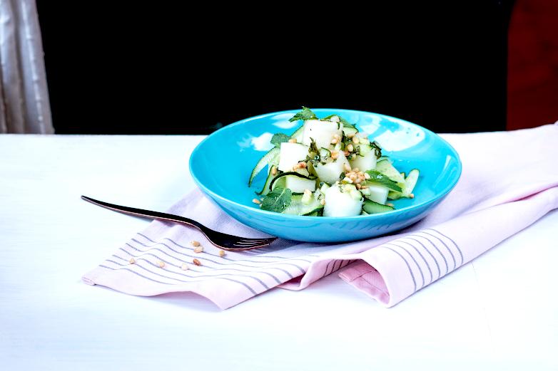 Салат дынно-огуречный