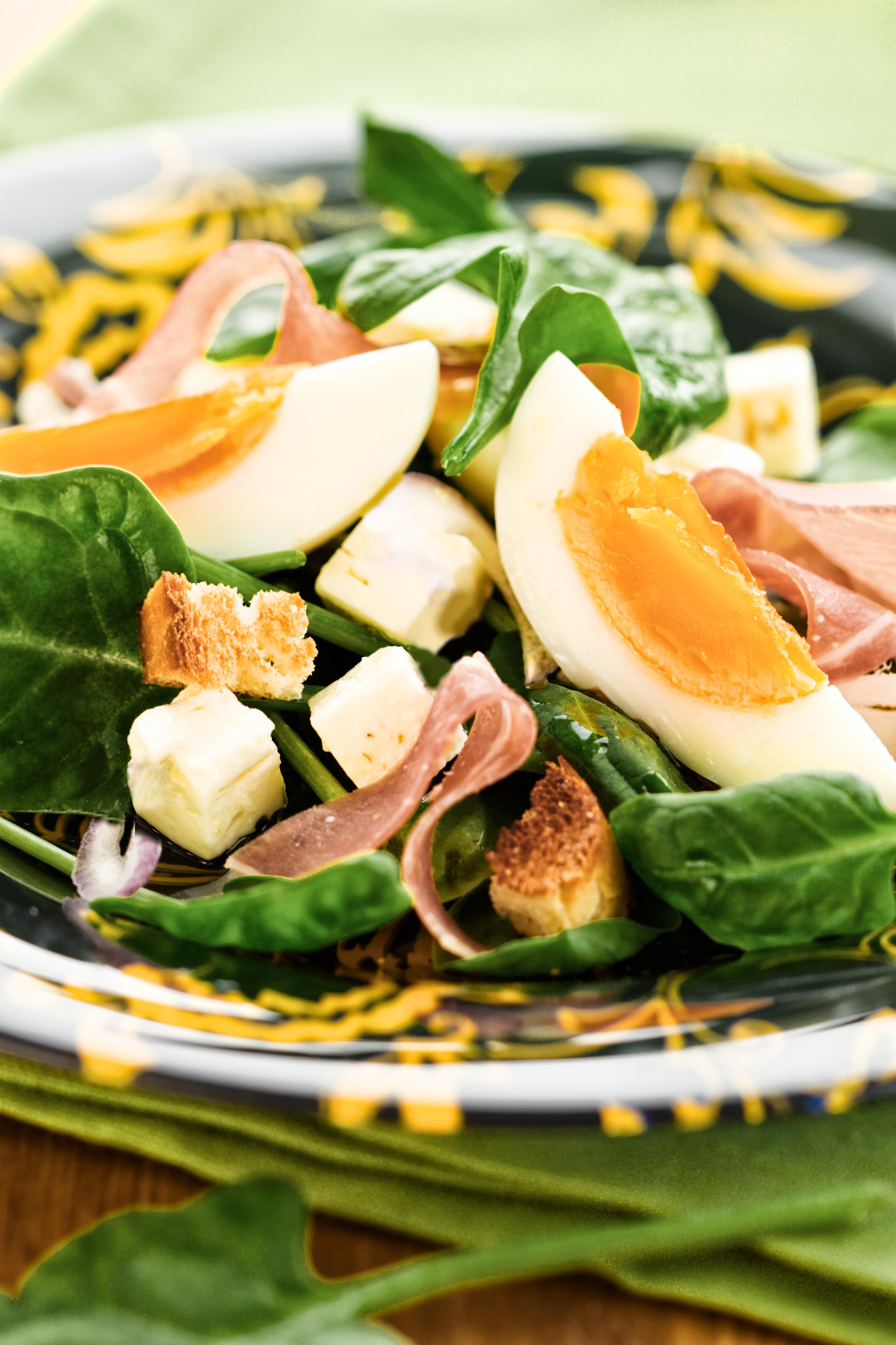 Легкий салат с ветчиной