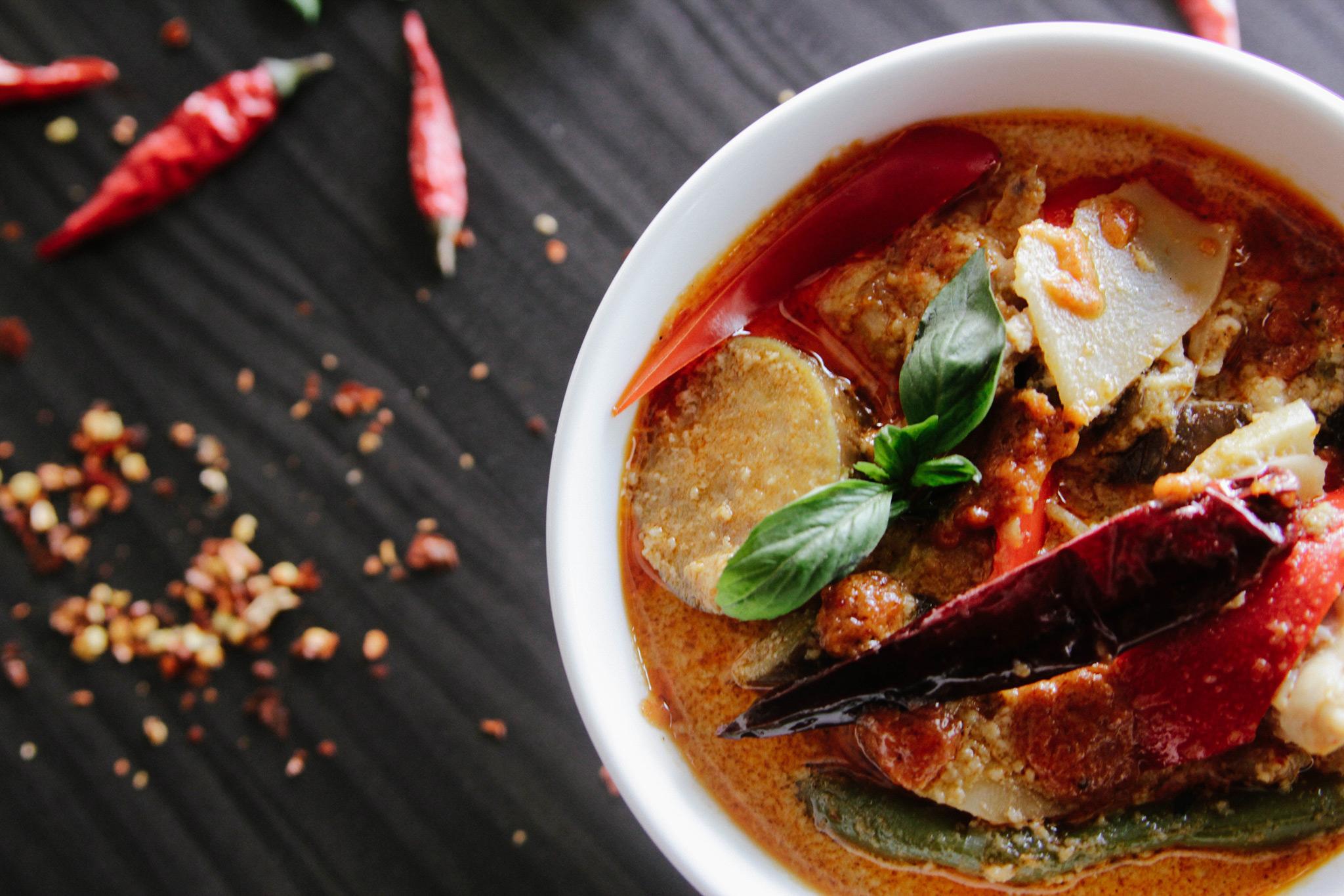 Красный суп карри