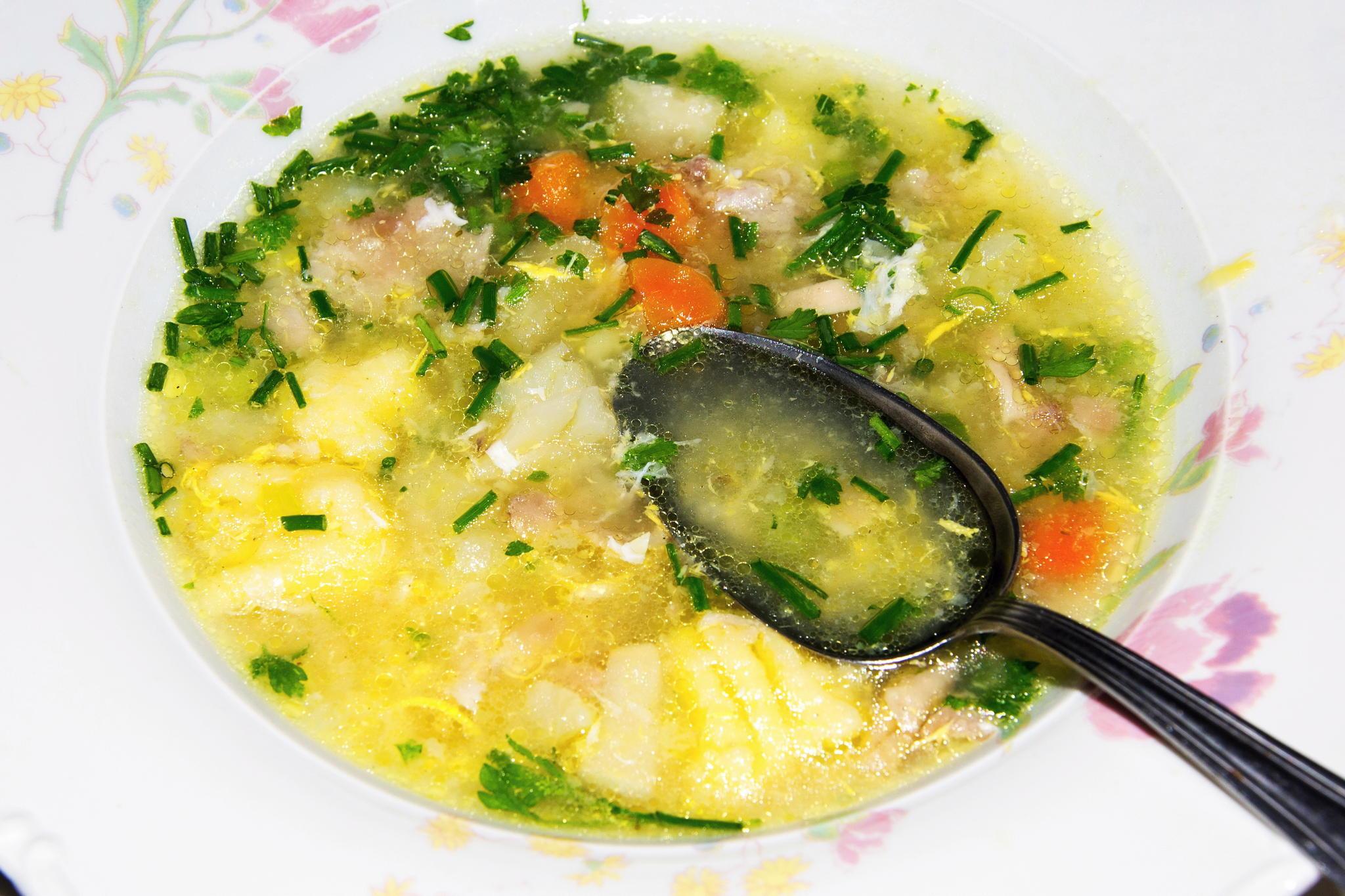 Куриный суп с клецками из семолины