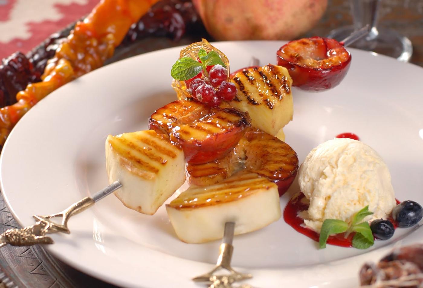 Десертные шашлычки с пломбиром