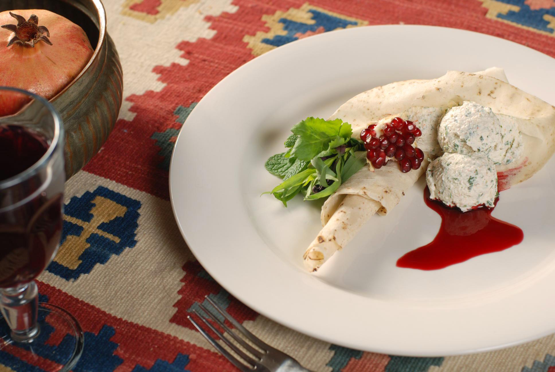 Холодная закуска «Жажик с зеленью»