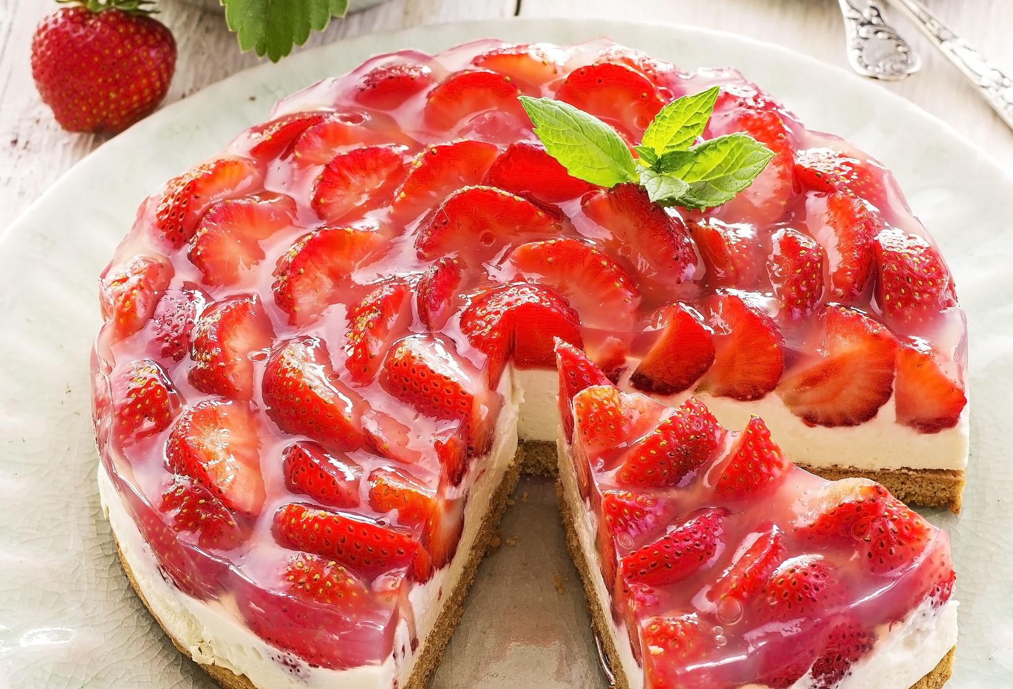 вот уже пирог со свежей клубникой рецепт с фото пост