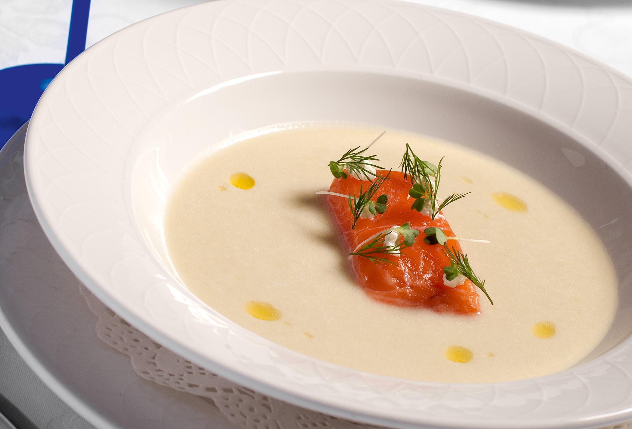 Холодный суп излосося