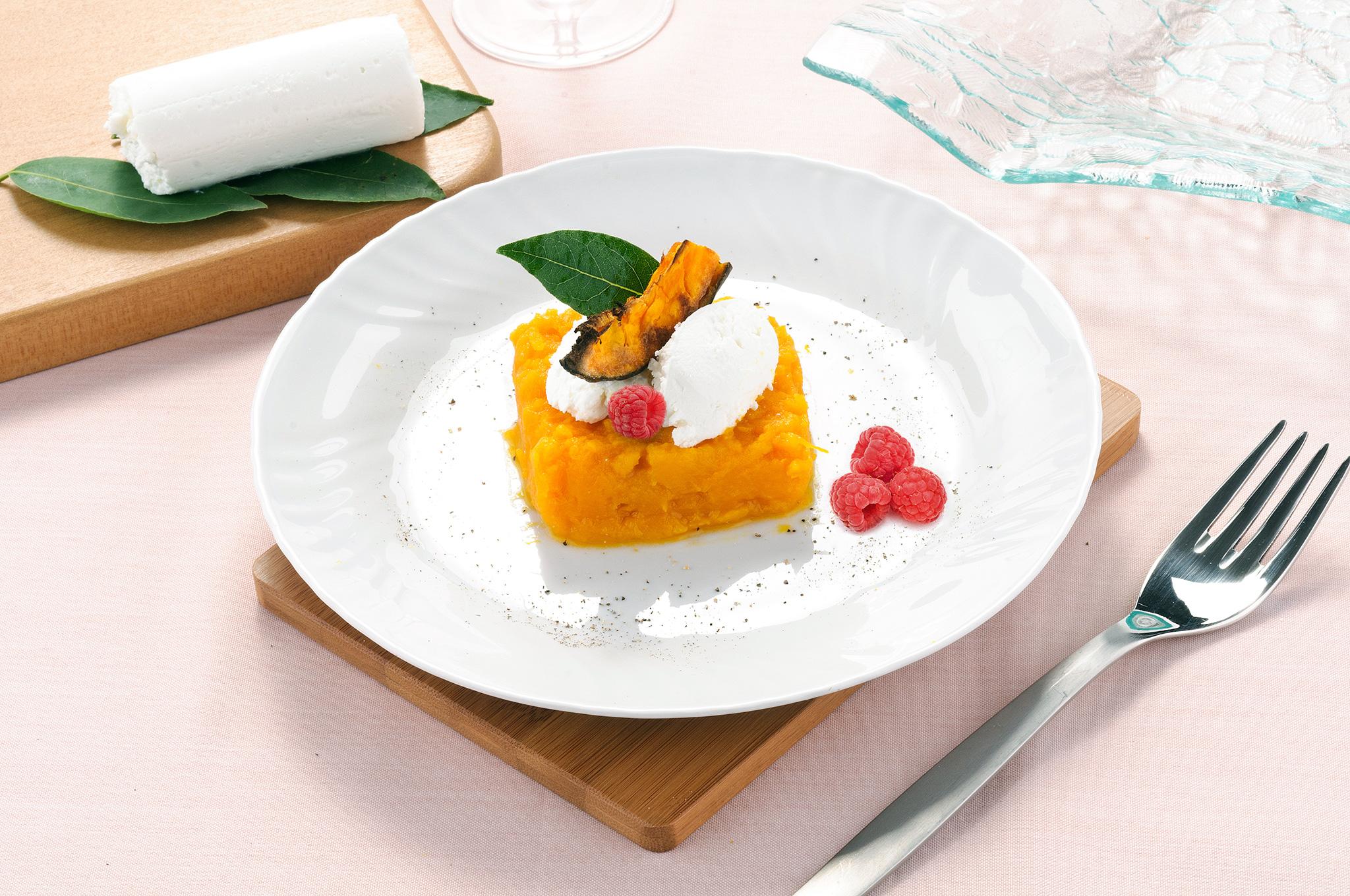 Десерт из тыквы с творожно-малиновой начинкой