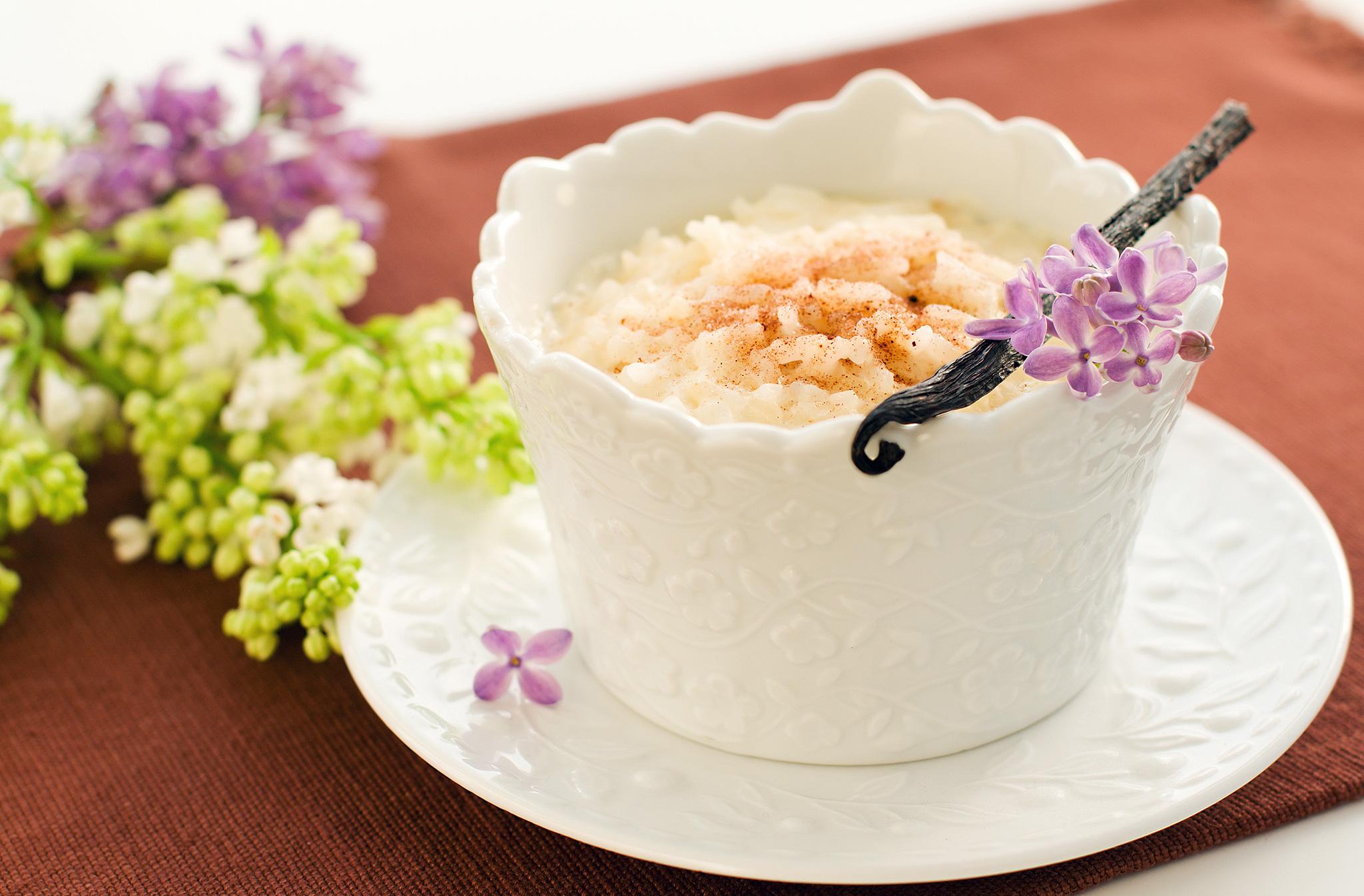 Vanilnoe rizotto na kokosovom moloke s chernoslivom kuragoi