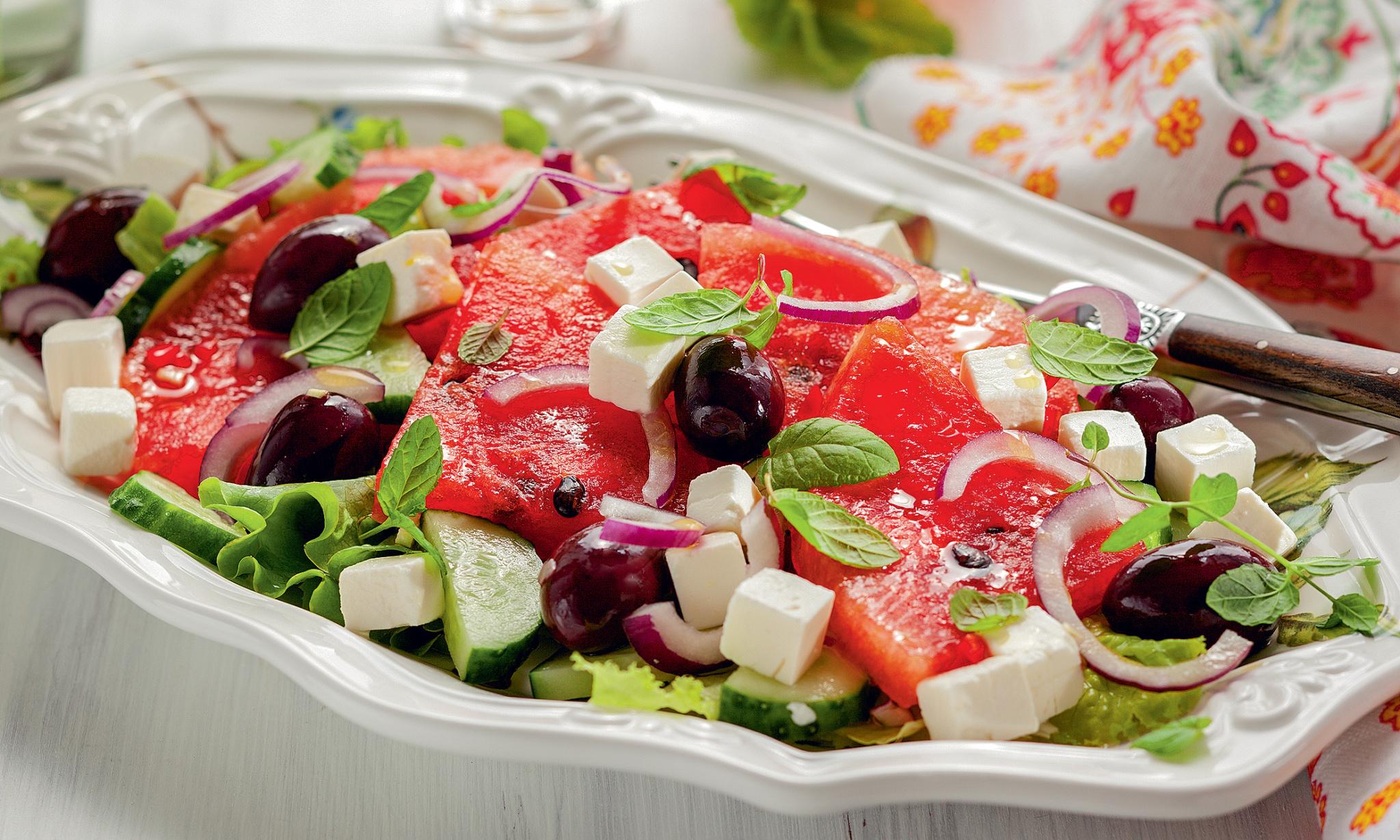 Арбузно-огуречный салат