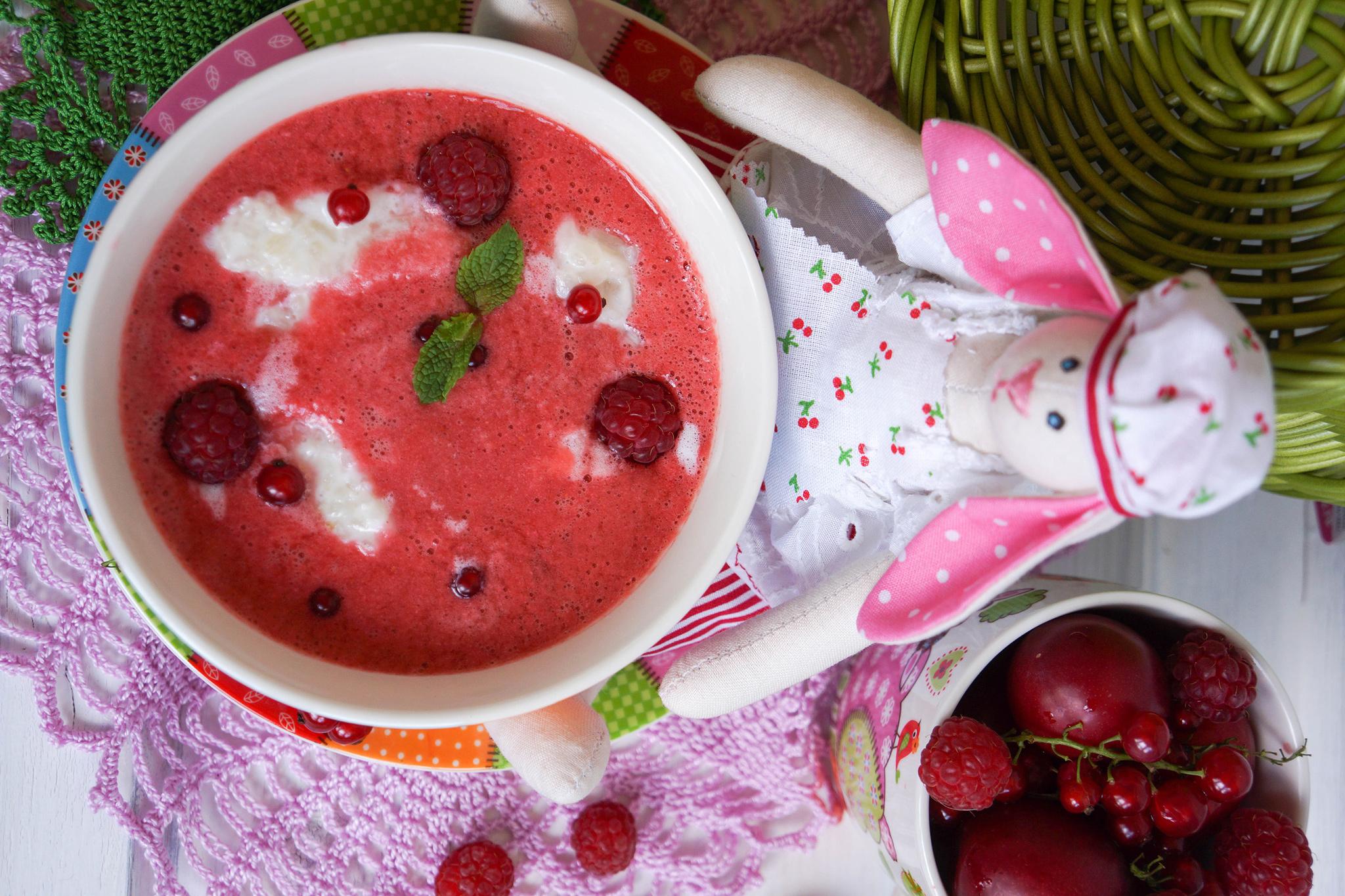 Ягодный суп с рисовыми кнедликами
