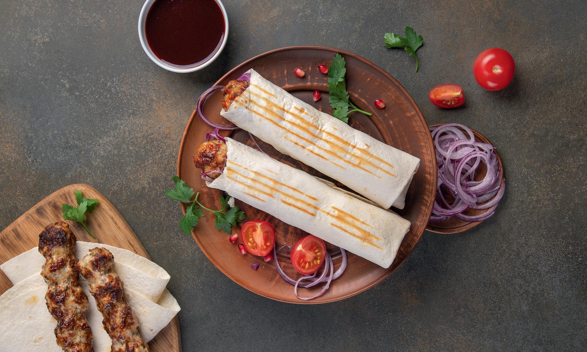 Lyulya kebab v lavashe