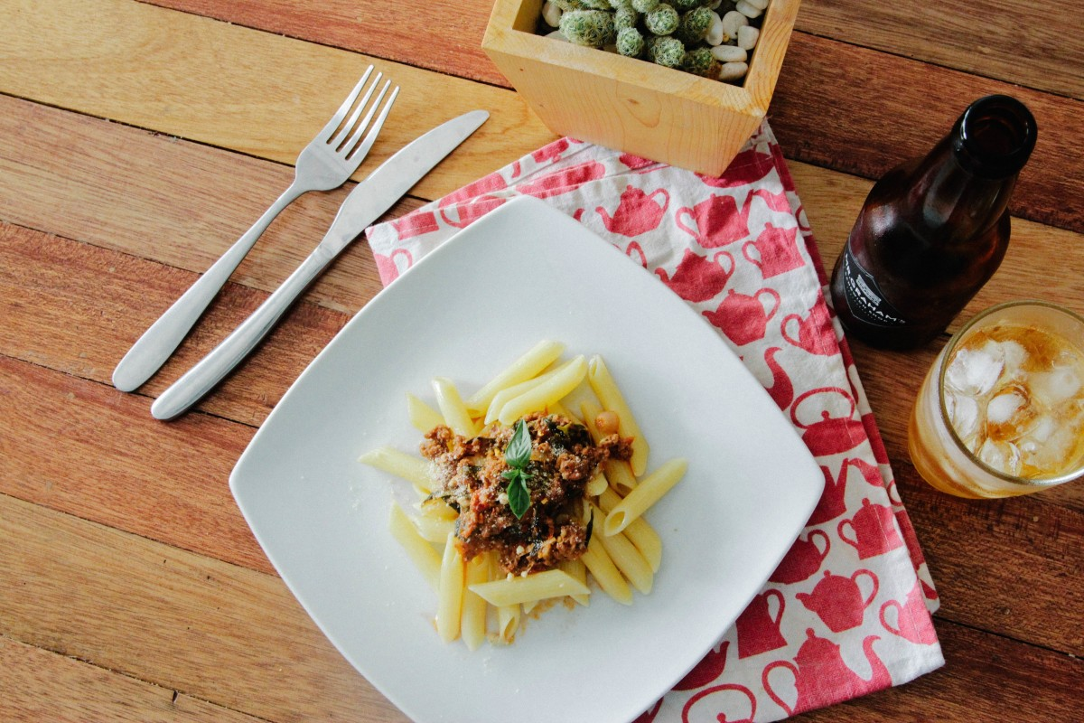 pasta meal food lunch dinner supper table serving 679481.jpgd