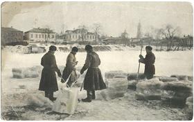 Kolka lda v Moskve na reke Presne